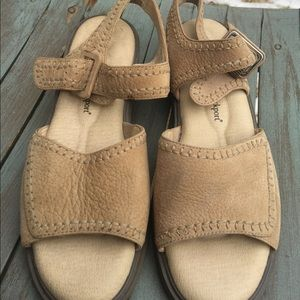 Women's Rockport Beige Leather Sandals Size 7.5M